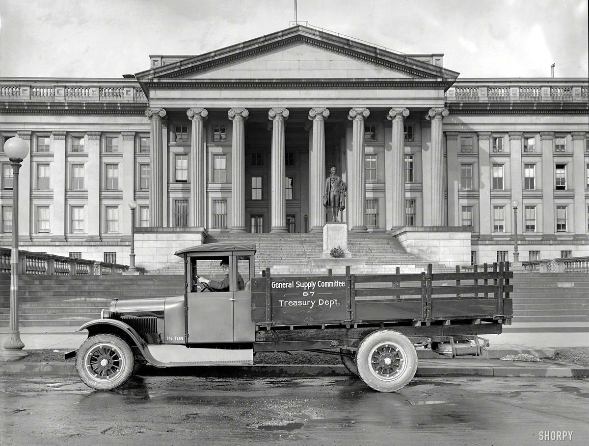 Грузовые автомобили начала 20-го века на снимках американских фотографов (22)
