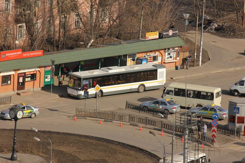 Автобусы около станции