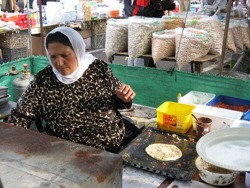 Друзы — арабоязычная этноконфессиональная группа, по происхождению — одно из ответвлений исмаилизма, прекратившая конфессиональные контакты с исмаилитами ещё в Средние века. Проживают в Ливане, Сирии, Иордании и в Израиле.