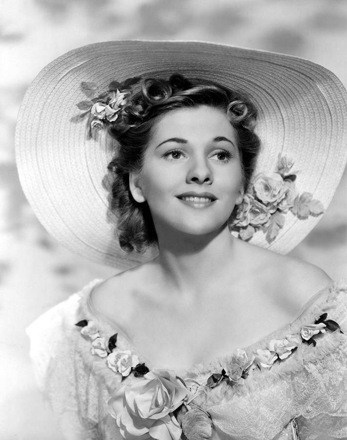 rebecca-joan-fontaine-1940-everett.jpg