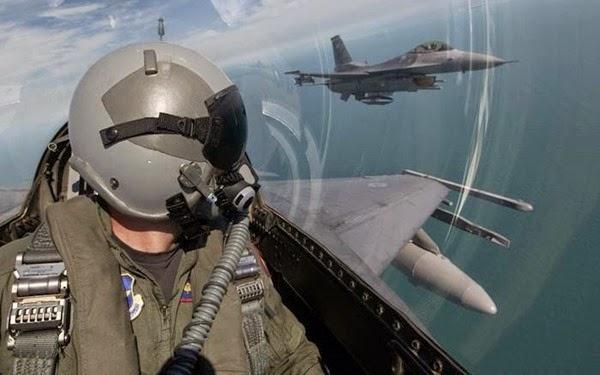 Самолеты в небе (фотографии) 0 11e963 65070307 orig