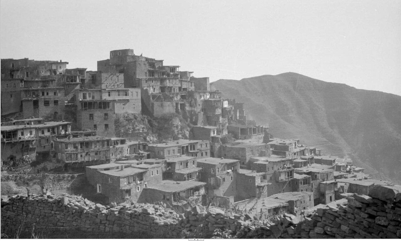 Село на горном склоне