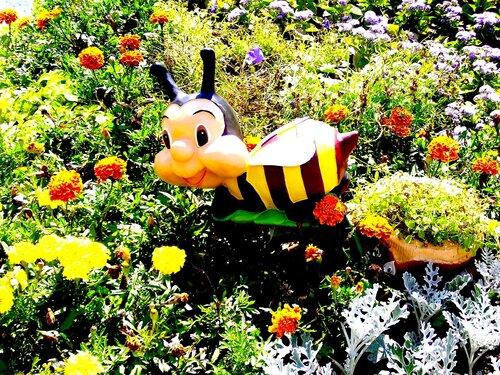 Пчела**