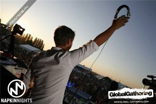 Armin van Buuren - Live at Global Gathering, Ukrai ...