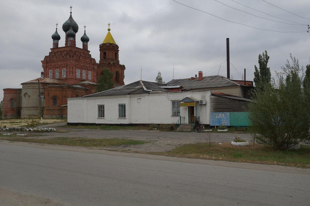 храм и пекарня в селе Маньково