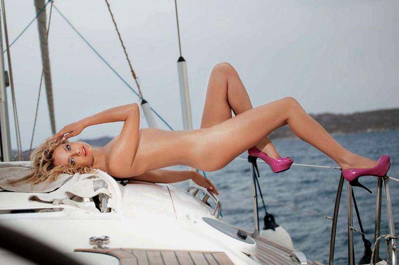 Экс-солистка группы Рефлекс Лена Максимова в Playboy Россия, февраль 2012