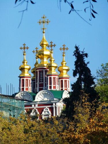 Преображенская церковь Новодевичьего монастыря в Москвве