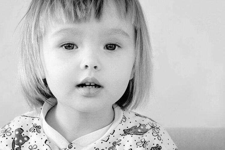 Фото детей маленьких черных и белых