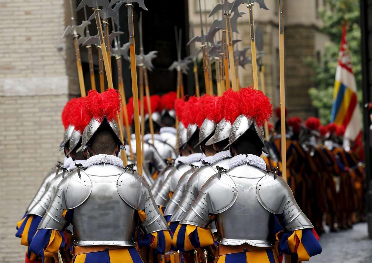 Швейцарская гвардия Ватикана: Новобранцы присягают на верность Папе Римскому (10)