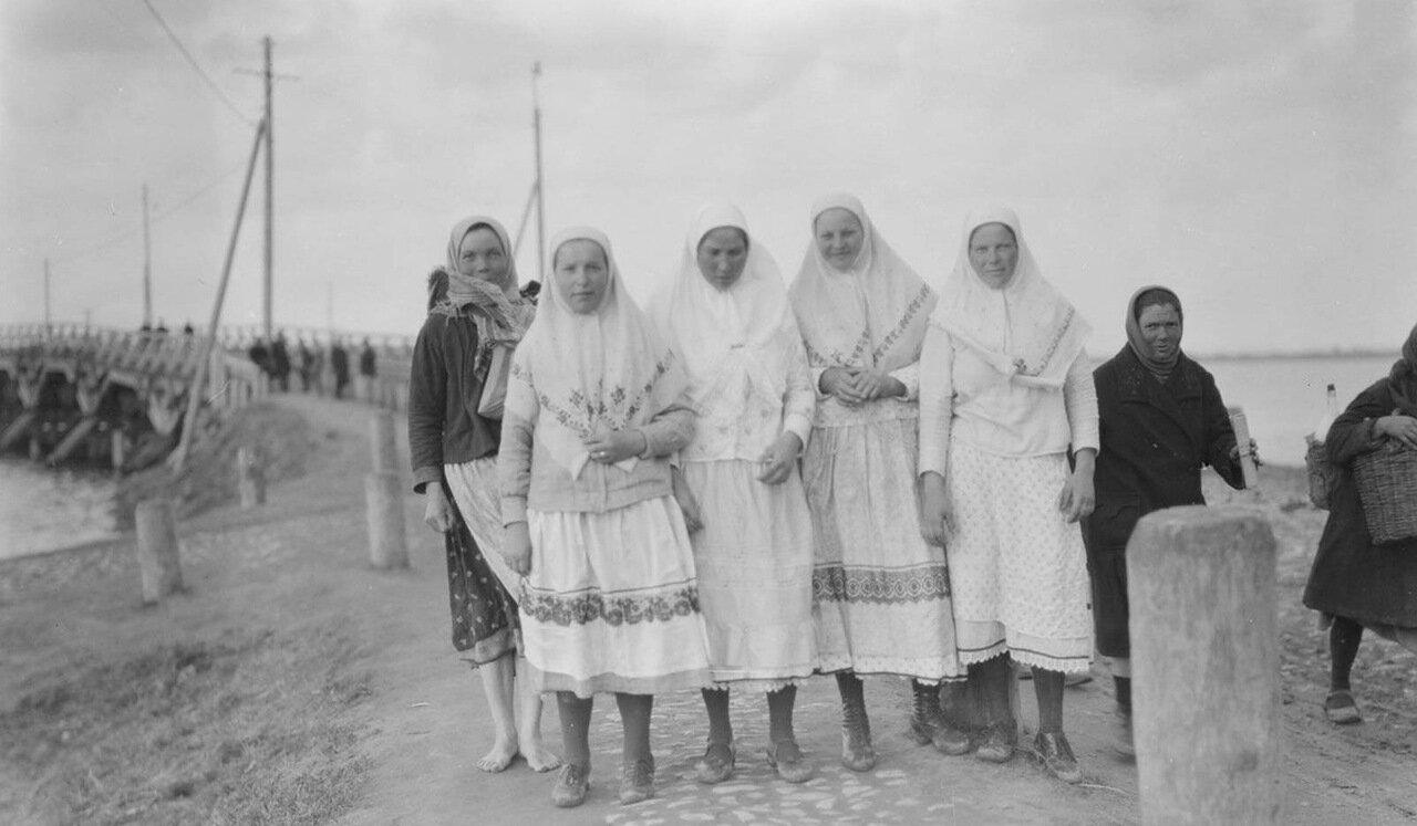 Казань. Женщины в традиционной одежде