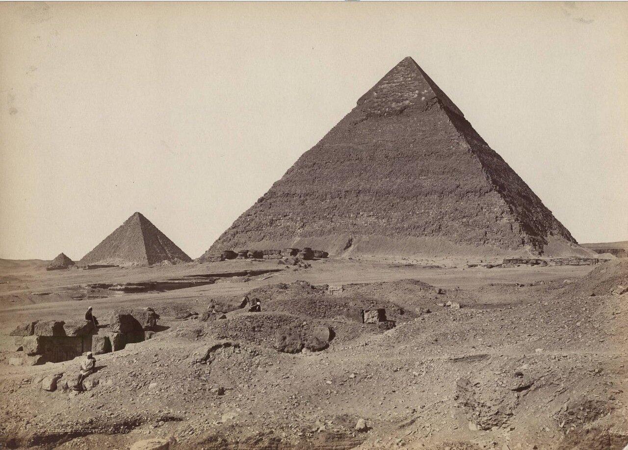 Пирамиды Хефрена и Менкаура