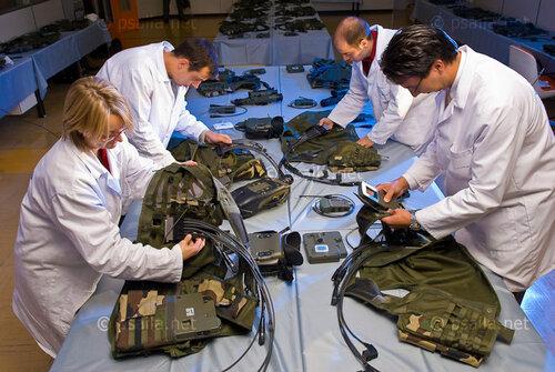 Новый облик французской армии - пидорасы в юбках, инженеры вместо старшины и много-много компьютеров