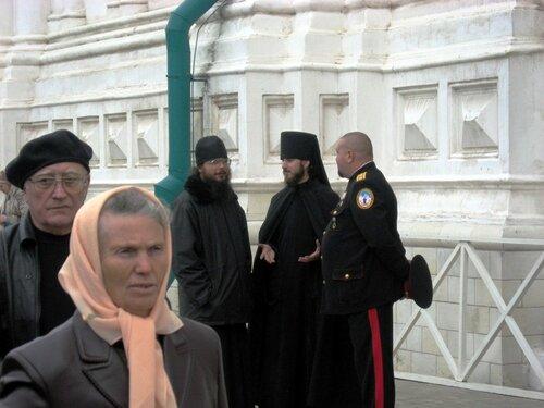 Праздник Покрова. Крестный ход в Святогорском монастыре (7 фото)