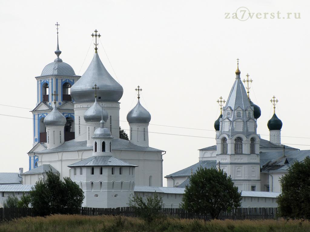 Никитский монастырь - общий вид