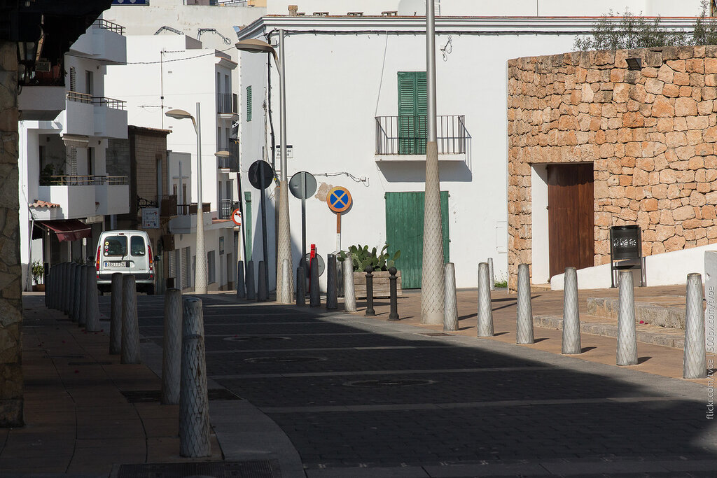 Пустынная улица Сан-Антонио на Ибице