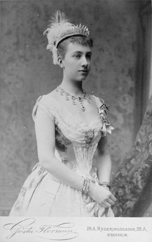 Королева Виктория в молодости, 1884
