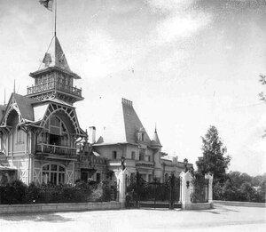 Главный фасад дачи графини М.Э.Клейнмихель.
