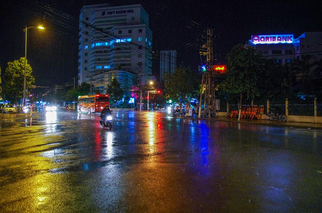 Сеет дождик