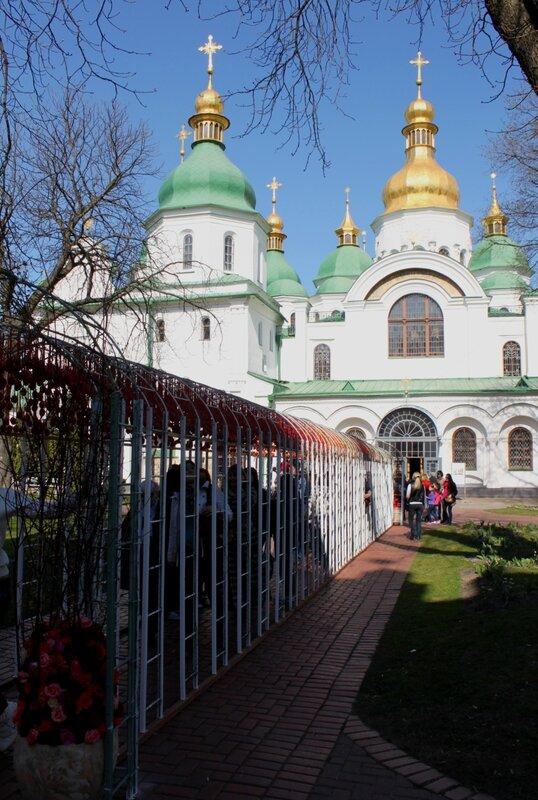 Декоративная галерея перед Софиевским собором