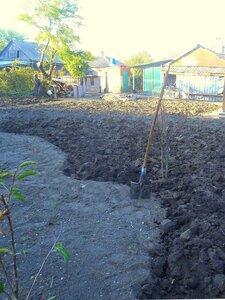 Дачный мотив, октябрь, земля, лопата