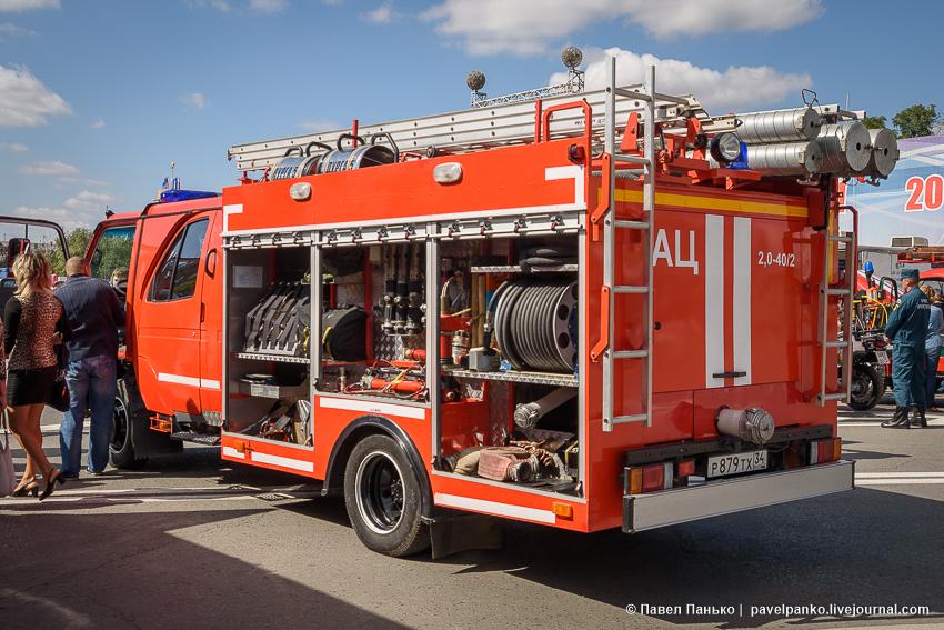 Выставка пожарной техники МЧС