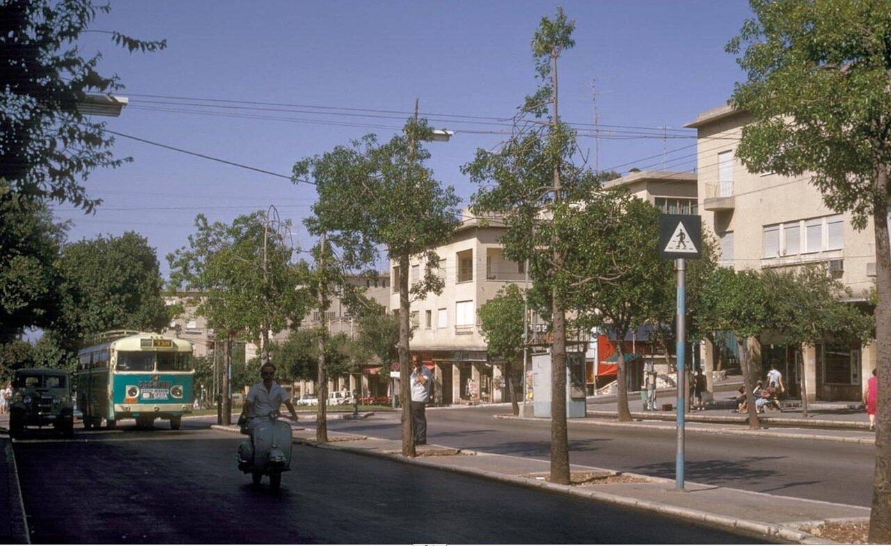 16. Мерказ а Кармель, улица А Наси