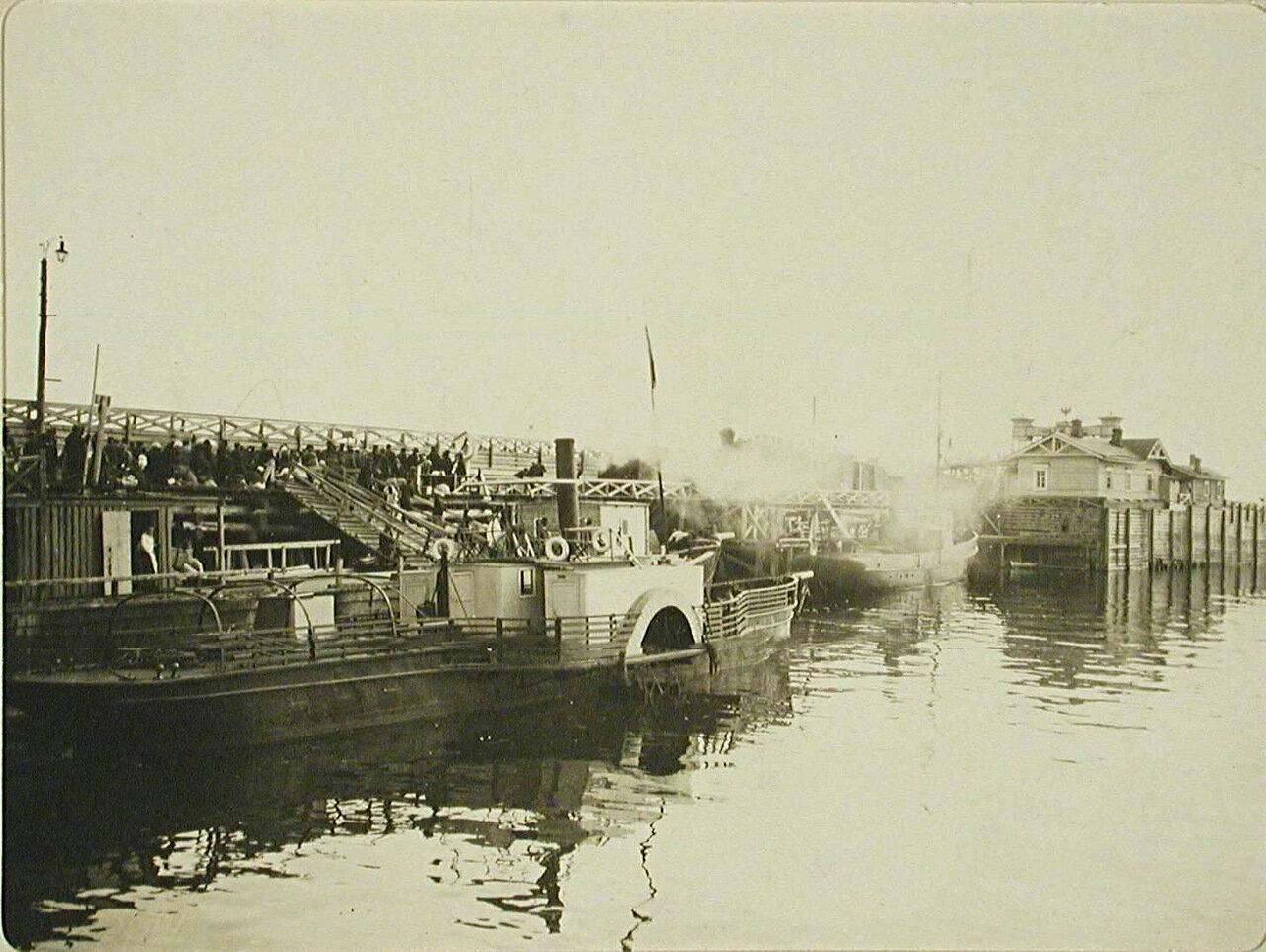 30. Вид на пристань порта Байкал