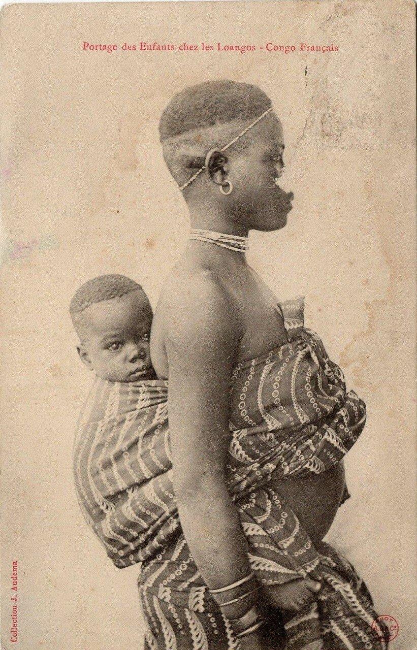 Французское Конго. Женщина с ребенком из племени лоанго