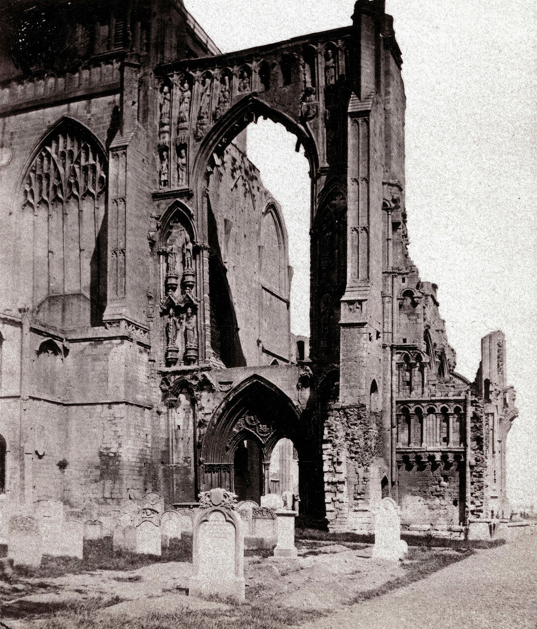 Аббатство Кроуленд, западный фасад. Великобритания, 1864