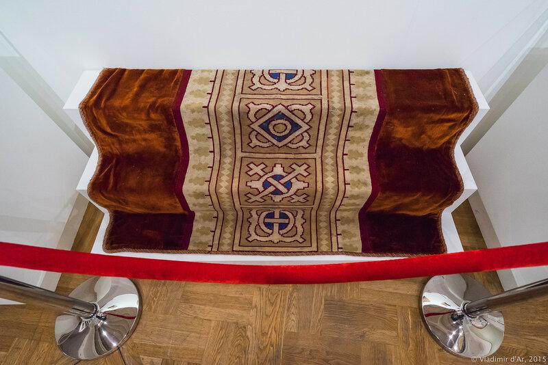 Ковер. 1888 г. Бархат, вышивка шерстью по канве. Монастырь Святой равноапостольной Марии Магдалины в Гефсимании (Иерусалим).