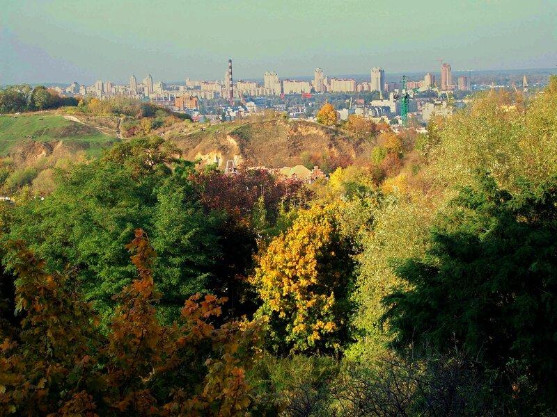 Вид с Пейзажной аллеи на Хоривицу