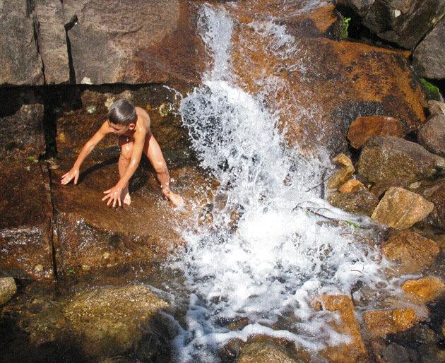 Искупался в водопаде
