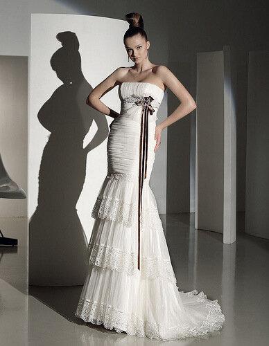 Обожаю свадебные платья.  Они такие красивые, воздушные.(скорее всего и...