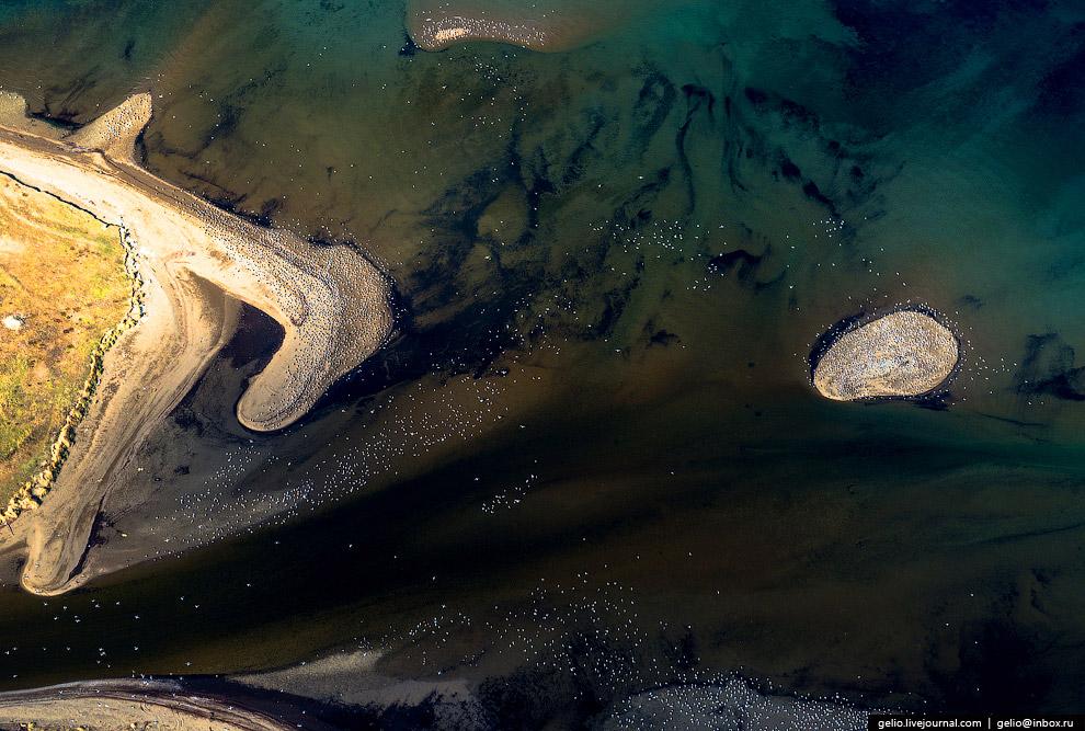 15. Бигл — пролив, разделяющий главный остров архипелага Огненная Земля и лежащие к югу от него