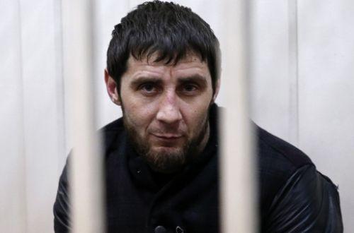 Активисты оппозиции обратились в прокуратуру и Следственный комитет с заявлениями об акте вандализма на Москворецком мосту на месте убийства Бориса Немцова
