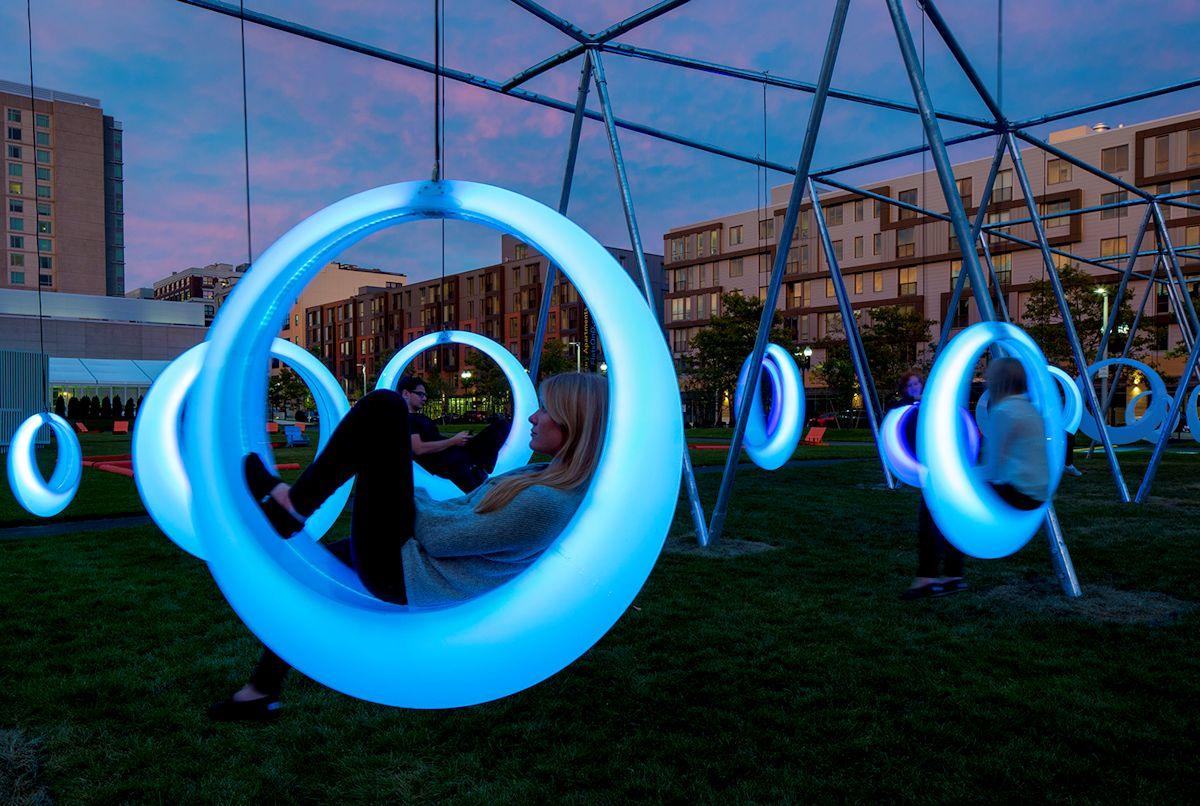 Howeler + Yoon Architecture, Swing Time, Swing Time Бостон, городская инсталляция, световая инсталляция, Бостонский выставочный центр