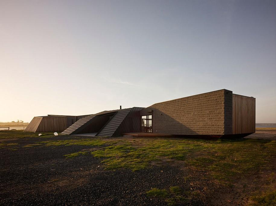 Пляжный домик от BKK architects в Австралии