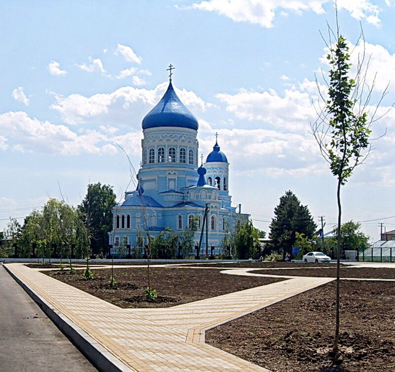 У храма в станице Каневской ... Велопутешествие по Кубани.2009. (39).JPG