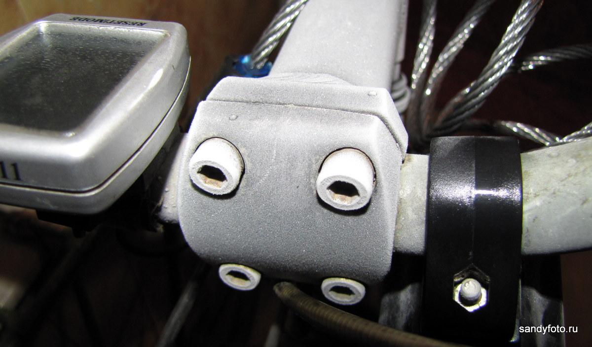 Конденсат на металлических поверхностях велосипеда