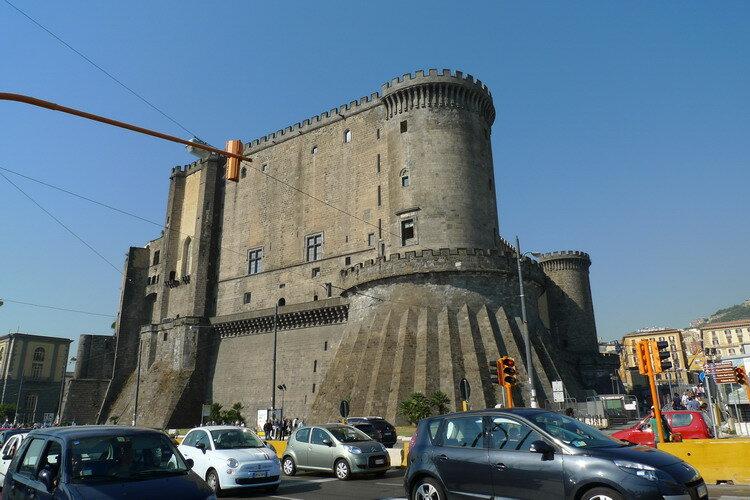 В пешей доступности от порта - Галерея Умберто