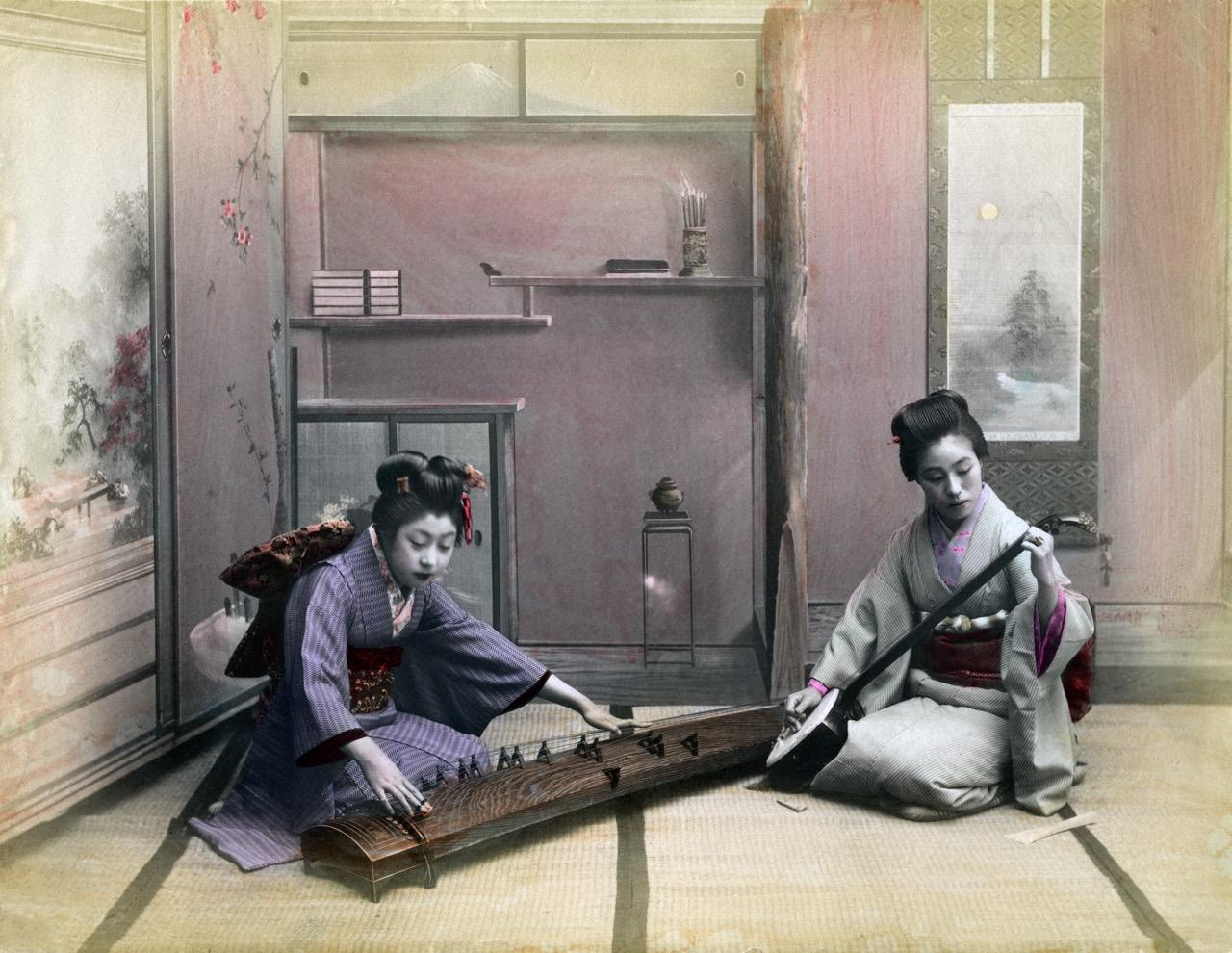 Игра на кото и сямисэн