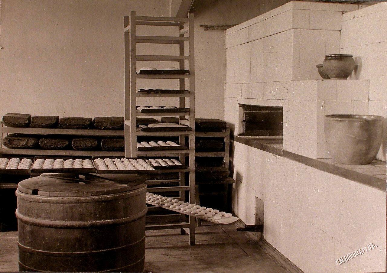 39. Вид части помещения пекарни Алексеевского общества дел милосердия