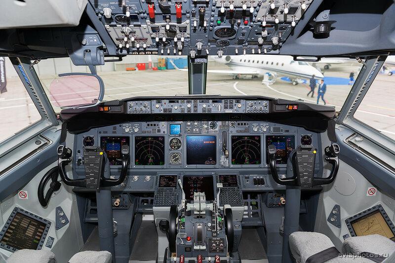 Boeing 737-7JR(BBJ) (N92SR) D807617