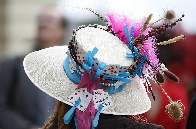 «День леди»: парад шляпок на скачках Royal Ascot 2016 0 165a25 8029ce8e orig