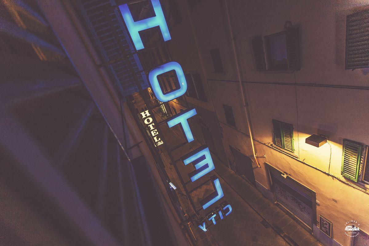 Вид из окна гостиницы. Флоренция.