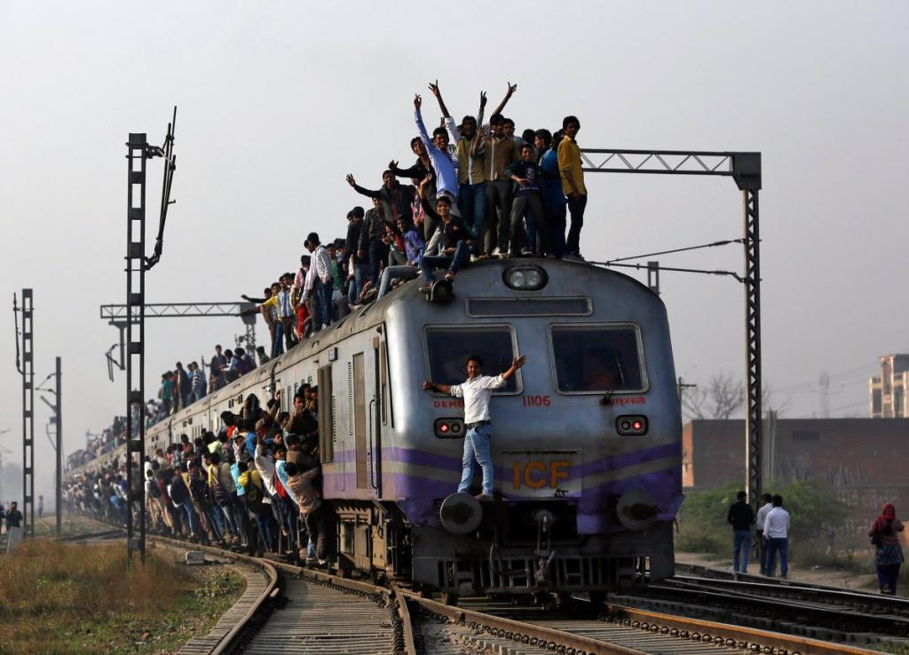 Не стоит думать, что проезд на индийских поездах никак не регулируется правилами. Например, в каждом