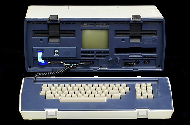12. Переносной компьютер «Осборн-1», 1981 год. Первый коммерческий переносной компьютер «Осборн» вес