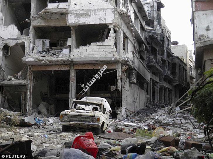 Когда парни причалили в Тартусе, который находится примерно в 80 км от разрушенного войной Хомса (на