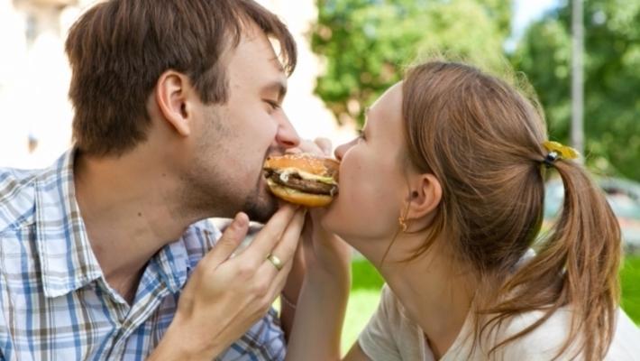 Ученые отыскали причину неожиданного ожирения молодых людей