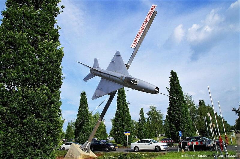МиГ-21 около авиационного музея в Ганновере (Ганновер-Латцен)